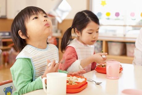 【調理師】業界シェアNO1。医療福祉に特化した食事サービス。完全週休2日制×年令定年なし×規則正しい